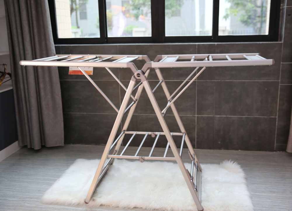 stand up clothes rack
